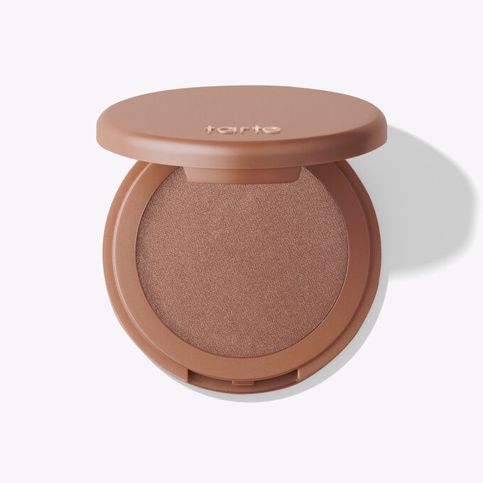 Amazonian clay 12-hour highlighter in daygleam