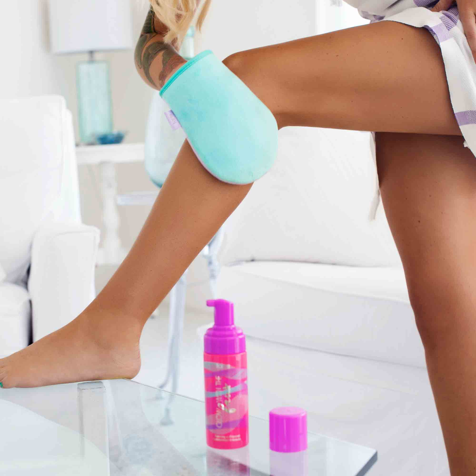 Limited Edition Travel Size Glow With The Faux Foaming Self Tanner